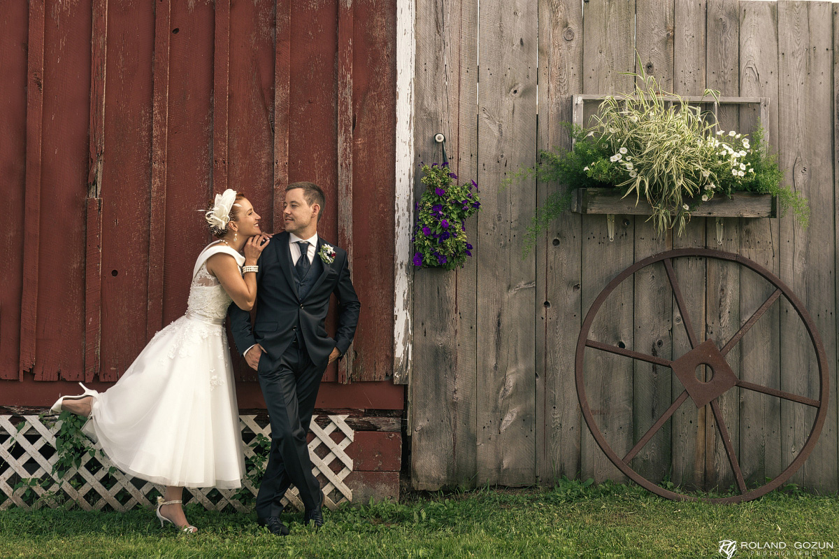 Shannon + Stefan | Country Breeze Barn, Shawano, Wisconsin Wedding Photographers